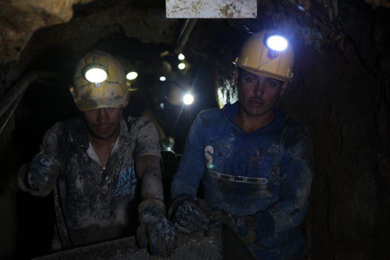 El gobierno colombiano aún no le ha dado respuesta a miles de mineros que se quedaron sin empleo con la prohibición de la minería en el páramo de Santurbán. Foto: Agencia de comunicación CONSTRUYENDO REGIÓN.