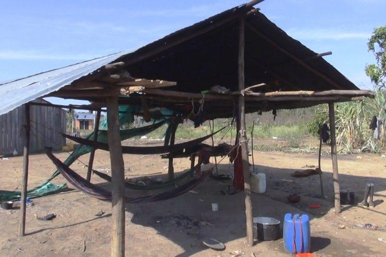 Así son los sitios de descanso de la comunidad Nukak en San José del Guaviare. Foto: Alberto Castaño