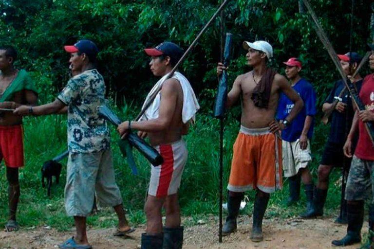 Los Nukak cazan esporádicamente y sacan productos de la selva. Foto Ministerio del Interior