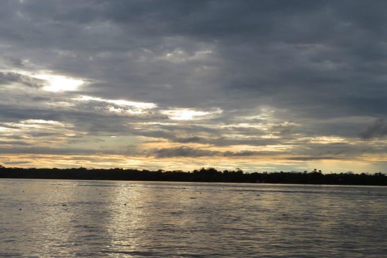 La situación de los peces y la calidad del agua serán monitoreados en los ríos de la cuenca del Amazonas. Foto: Yvette Sierra Praeli.
