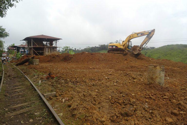 El suelo que se levanta para la extracción de minerales es muy difícil de recuperar incluso en Esmeraldas que se caracteriza por su tierra fértil. Foto: Junta Parroquial Alto Tambo.