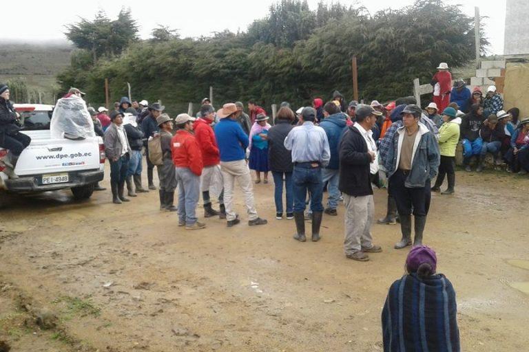 La comunidad de Río Blanco venía protestando desde el domingo 6 de mayo para exigir la salida de la empresa Ecuagoldmining South America S.A. Foto: Yasunidos Guapondelig.