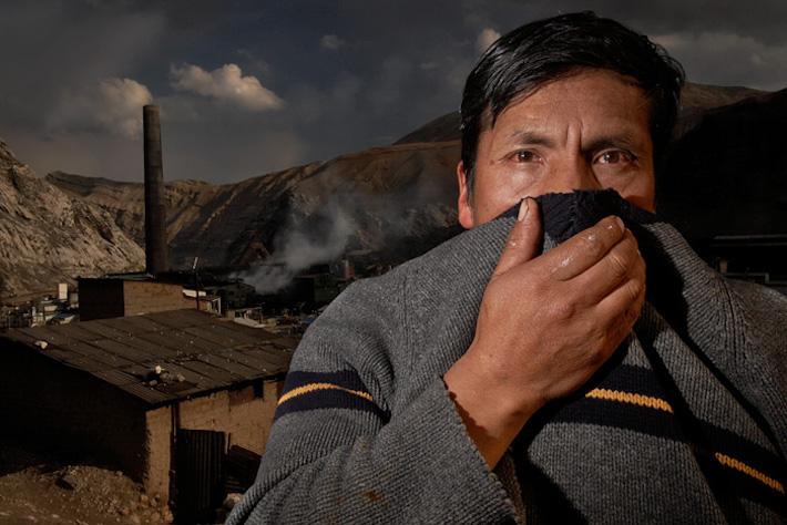 La contaminación ambiental del Complejo Metalúrgico de La Oroya ha ido medrando la salud de los 33 mil pobladores de la ciudad. Fotografía de Giuliano Koren/AIDA.