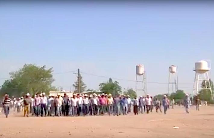 Captura de video de los primeros enfrentamientos tomadas el 21 de octubre de 2016 cuando empezó el conflicto. Crédito: La Marabunta Filmadora.