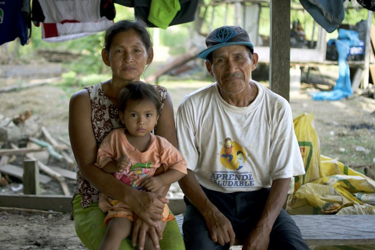 Los habitantes de Cuninico reclaman, desde hace cuatro años, atención adecuada de salud. Foto: Sophie Pinchetti / Instituto Chaikuni.