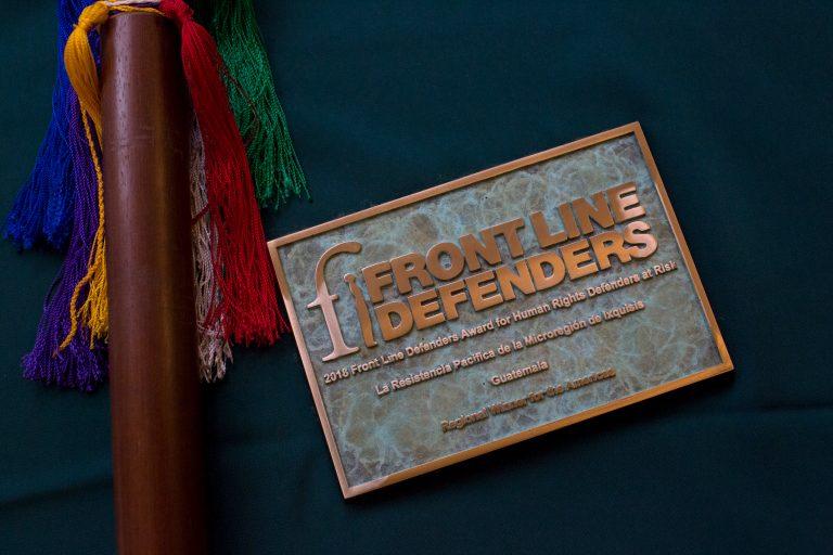 El premio Frontline Defenders 2018 fue entregado a la Resistencia Pacífica de la Microrregión Ixquisis. Foto: Frontline Defenders.
