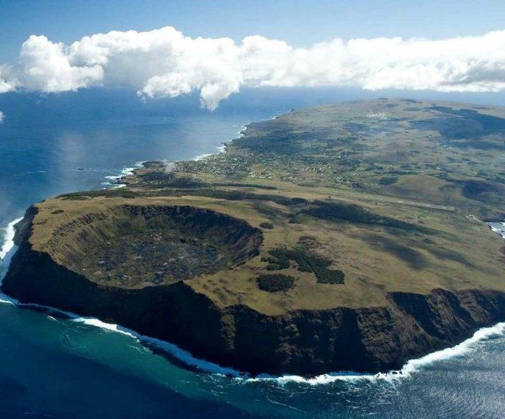 El mar que rodea la isla Rapa Nui, o Isla de Pascua, fue declarada zona protegida. Foto: Ministerio del Interior de Chile.