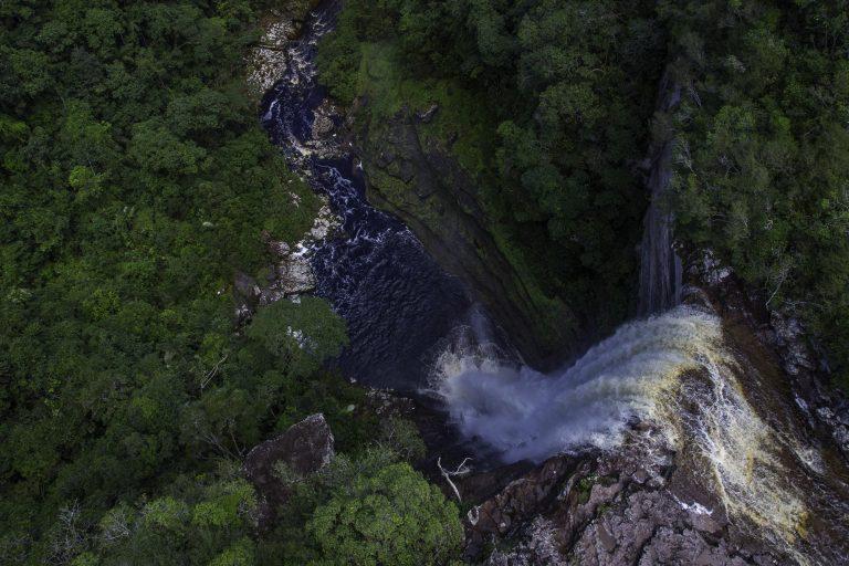 Chiribiquete provee el 60 % del agua superficial de toda la Amazonia colombiana. Foto: Parques Nacionales