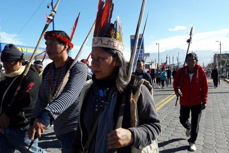 La presidenta del pueblo Sápara, Nema Grefa, en una de las movilizaciones del movimiento indígena. Ella fue amenazada de muerte por parte de un supuesto miembro de una comunidad vecina, en Pastaza, quien está a favor de la extracción del petróleo.