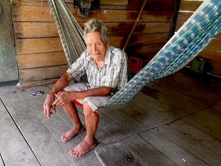 Héctor Suëyö, Sontone, nos recibió en su casa en Madre de Dios. Foto: Revista Viajeros.