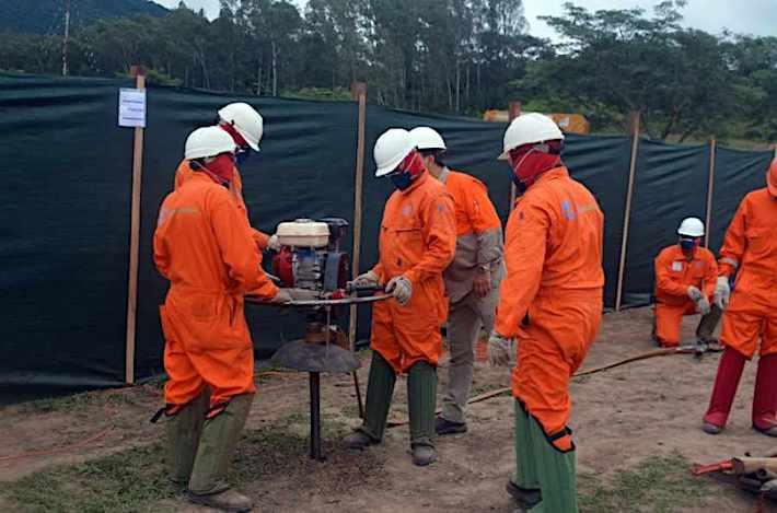 Trabajo de exploración sísmica 2D en busca de hidrocarburos en el campo Huacareta. Foto: YPFB.