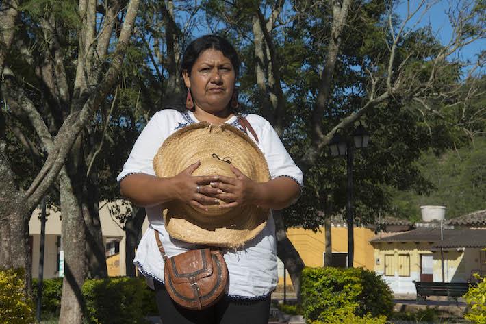 Ubaldina Valverde, presidenta de Control Social del actual Municipio de Gutiérrez, el cual puede convertirse en autonomía indígena, dice que como guaraní no se opone a un cambio. Foto: Flor Ruíz.