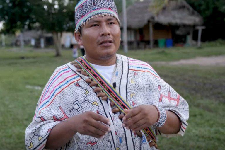 En julio, el jefe de la comunidad, Carlos Hoyos, fue agredido por hombres armados. Foto: Andrew Miller.