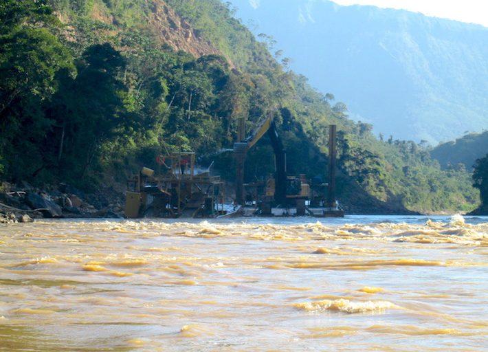 Las dragas han proliferado en el río Kaká. Foto: El Deber.