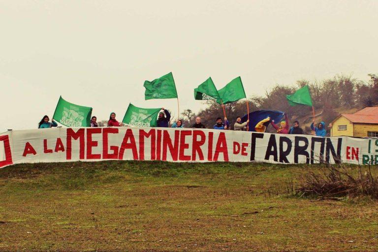 Los conflictos sociales por las actividades extractivas están presentes en Chile. Foto: Alerta Isla Riesco.