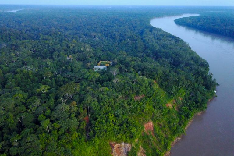 La tecnología permite monitorear las concesiones forestales en Madre de Dios. Foto: Conservación Amazónica - ACCA.