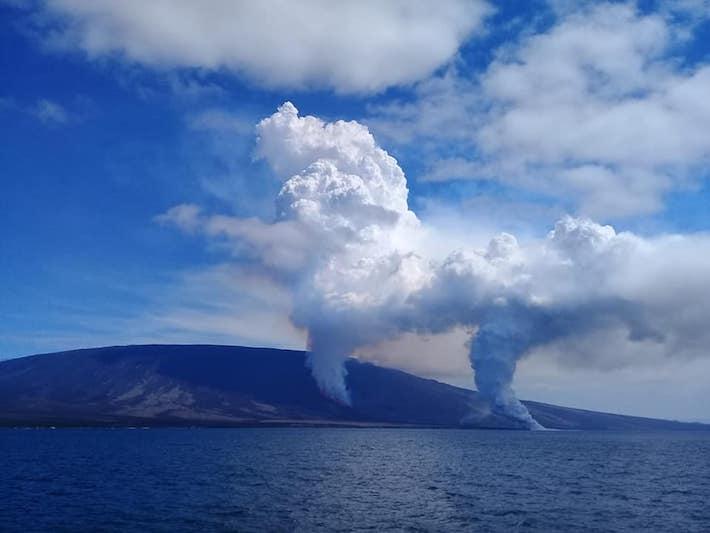 El volcán La Cumbre, situado en la isla Fernandina, erupcionó el 16 de junio pasado. Foto: Sabina Estupiñán.