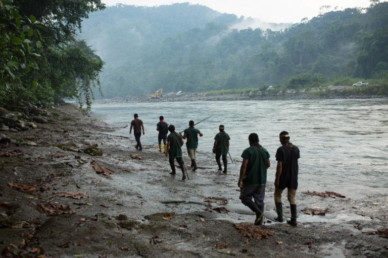 La comunidad indígena dice que la cabecera del río Aguarico debería ser parte de la zona de amortiguamiento del Parque Nacional Cayambe Coca. Foto: Jerónimo Zuñiga/Amazon Frontlines.