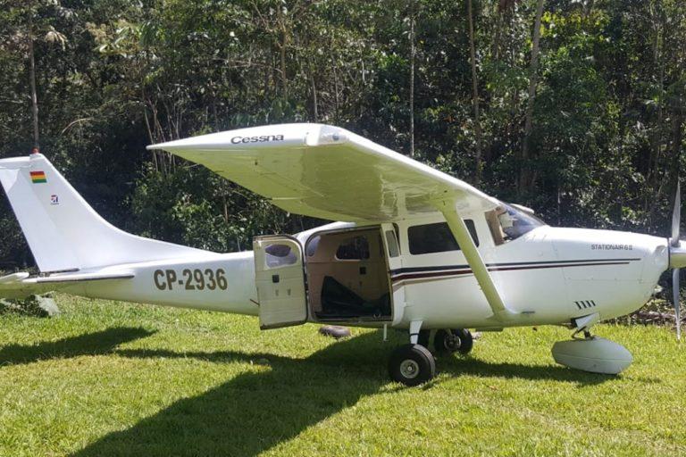 Una avioneta utilizada para el narcotráfico fue interceptada en el Parque Nacional Bahuaja Sonene. Foto: Policía Nacional del Perú.