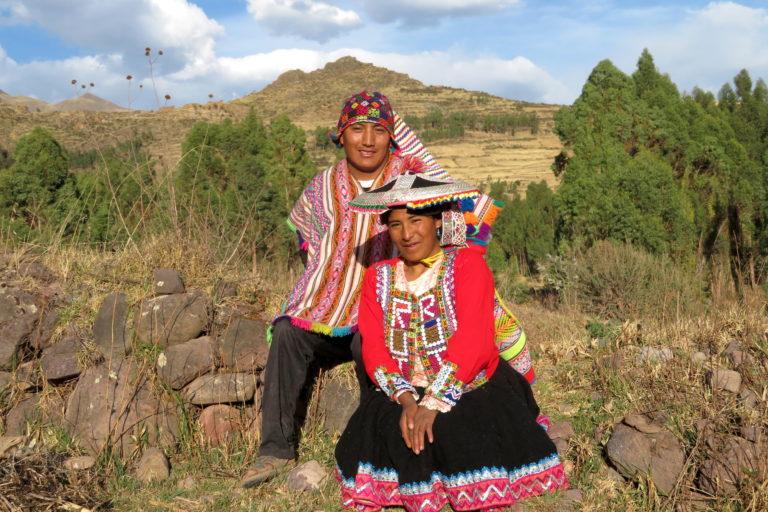 Freddy y su esposa Ruth, dos líderes que impulsaron la creación del Área de Conservación Regional Ausangate. Foto: Yvette Sierra Praeli.