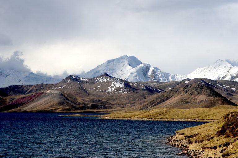 La cadena de nevados Ausangate es una de las reservas de agua más importantes del Cusco. Foto: Yvette Sierra Praeli.