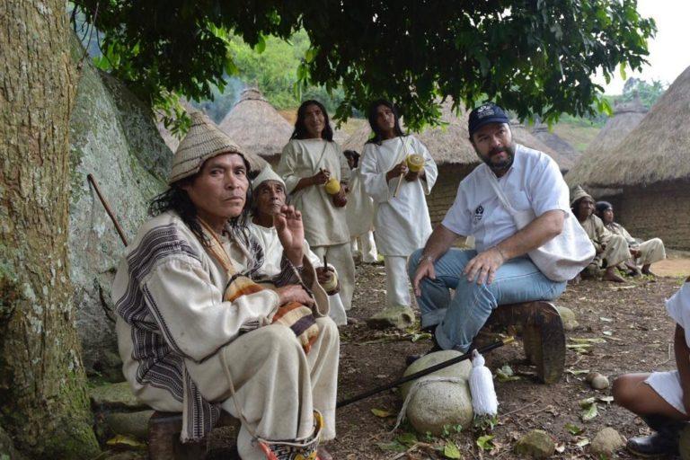 Los indígenas además de convivir con los grupos armados, ven amenazados sus territorios por la minería. Foto: Defensoría del Pueblo.