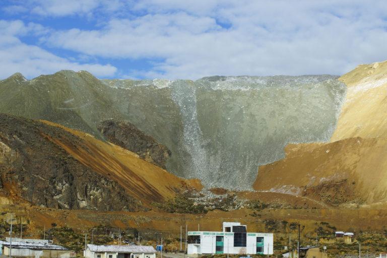 Las Bambas es uno de los proyectos mineros de capitales chinos que ha sido cuestionado. Foto: Hiperactiva Comunicaciones.