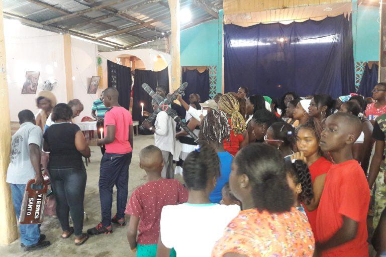 Comunidad 5 de junio en una de sus celebraciones culturales y religiosas. Foto: Comunidad 5 de junio.