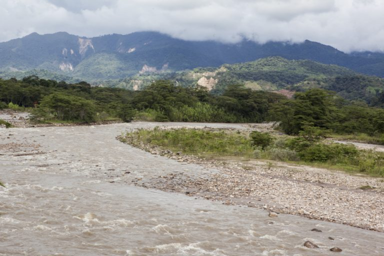 El río Chitamena abastece a algunas compañías petroleras, según Jully Méndez. Foto Diana Rey Melo / Revista Semana Sostenible.