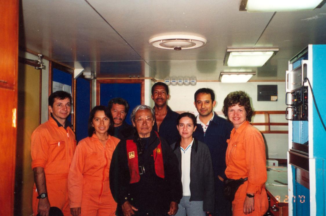 Obla Paliza durante una expedición en Galápagos, en el aó 2001. Foto: Archivo Obla Paliza.