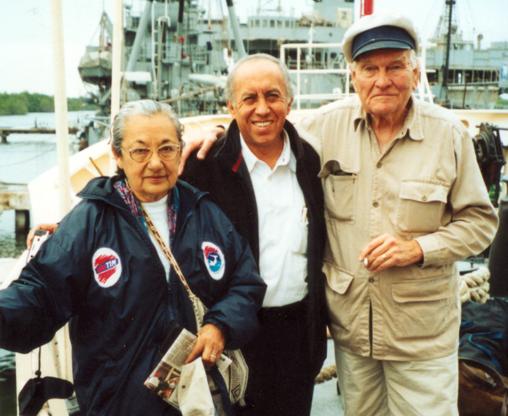 Obla Paliza y Robert Clark durante su visita a Galápagos, Ecuador, en 2001. Foto: Archivo Obla Paliza.