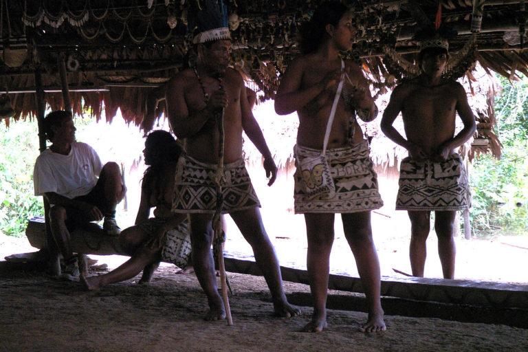 Indígenas Bora viven cerca de los pueblos indígenas aislados, en límites con el Parque Nacional Río Puré. Foto: Etnias del mundo.