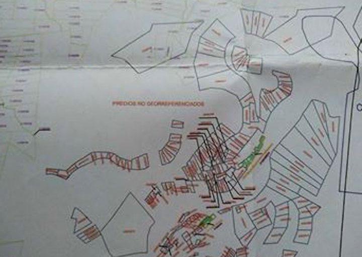 Plano que muestra el catastro de predios en la zona de Esperanza. Foto: Yvette Sierra Praeli.
