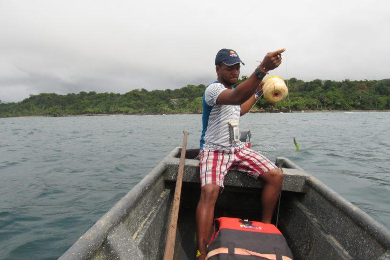 Pescador artesanal en el Distrito Regional de Manejo Integrado Golfo de Trubugá - Cabo Corrientes. Foto:MarViva.