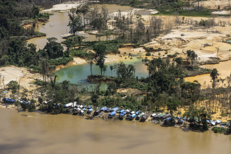 Marina Silva La minería es uno de los grandes problemas de la Amazonía. Foto: instituto Socioambiental.
