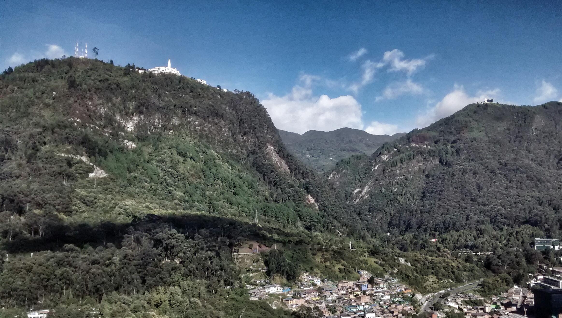 Cerros de Monserrate y Guadalupe. Foto: Flickr-Juan Carlos Pachón.