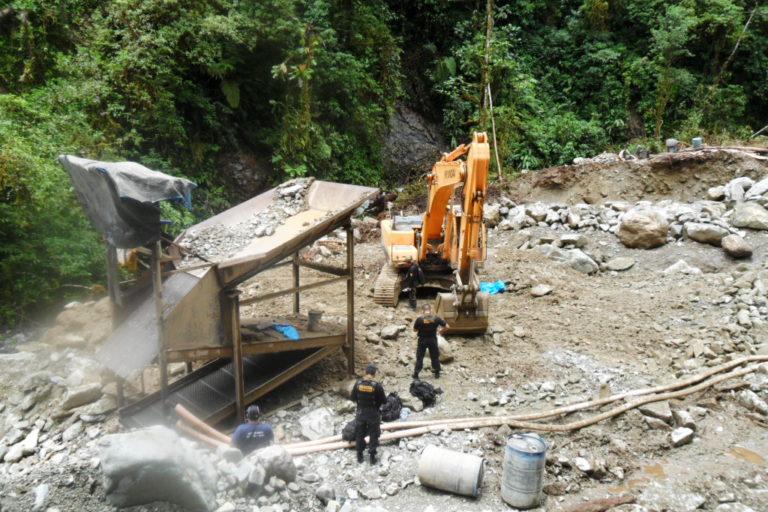 Un juzgado de Cusco ordenó cárcel efectiva contra siete persona acusadas de siete personas acusadas por delitos de contaminación ambiental, minería ilegal y deforestación en Camanti. Foto: Ministerio Público.