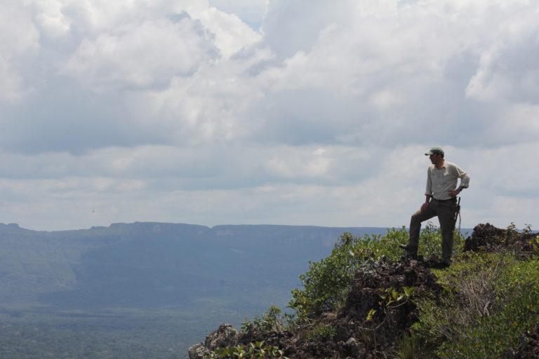 Esteban Payán en el Parque nacional natural Sierra de Chiribiquete. Foto: Susie Wills.