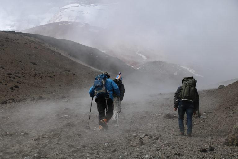 El derretimiento de los glaciares es un proceso natural que se ha acentuado por las actividades del humano. Foto: Inamhi.