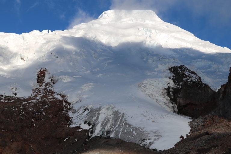 El volcán nevado Antisana se encuentra a 5704 metros sobre el nivel del mar. Foto: Inamhi.