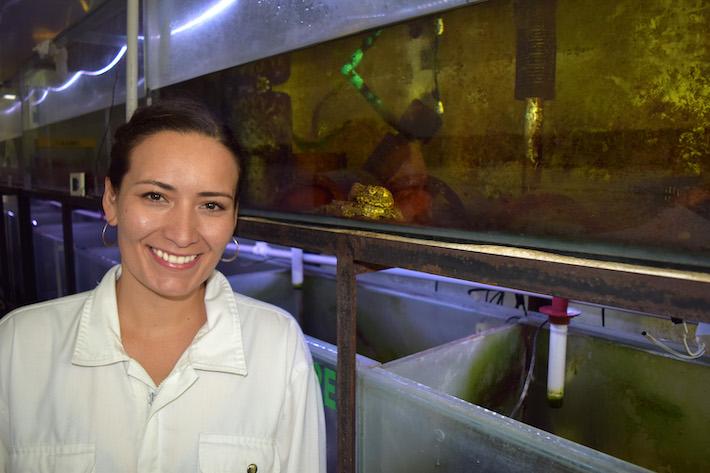 Teresa camacho en el laboratorio del Centro K'ayra. Foto: k'ayra.