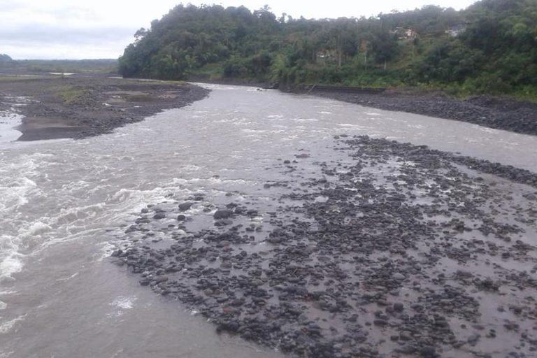Desde octubre 2018 nunca hay certeza sobre cuando el río estará más turbio o más cristalino. Foto: Tirza Estrella / Facebook.
