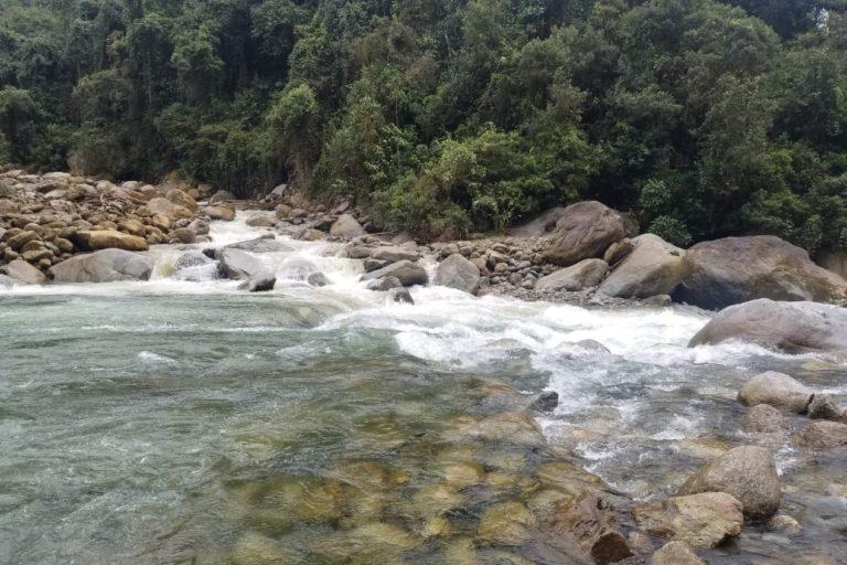 Río Upano antes del derrumbe. Foto: Hidronormandía.