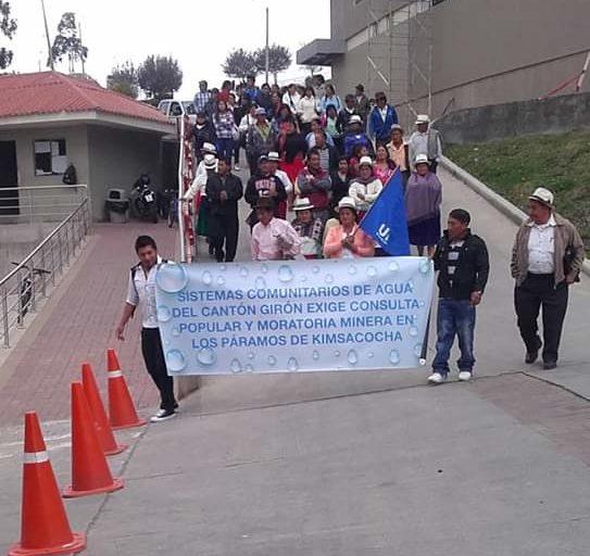 Piden a la Cámara provincial del Azuay que declaren libre de minería a Cuenca. 2016. Foto: Bolívar Quezada.