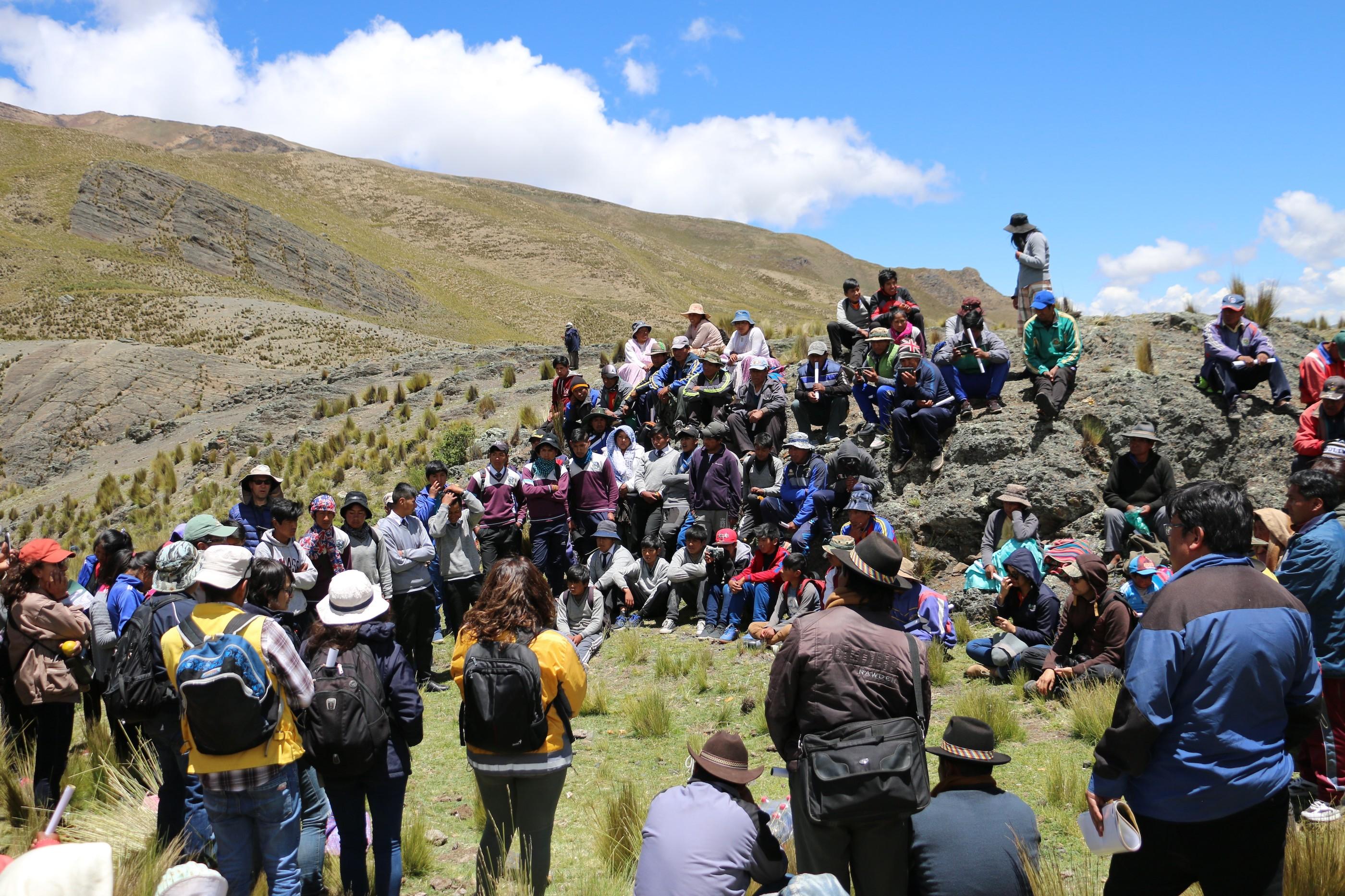 La liberación de Palca reunió a escolares, profesores, autoridades y científicos. Foto: Isabel Gómez.
