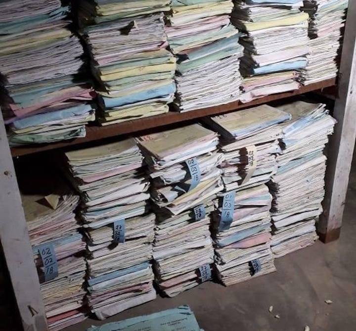 Gran cantidad de documentos con información falsa se encontró durante el allanamiento a los inmuebles en Ucayali y Loreto. Foto: Fiscalía de la Nación.