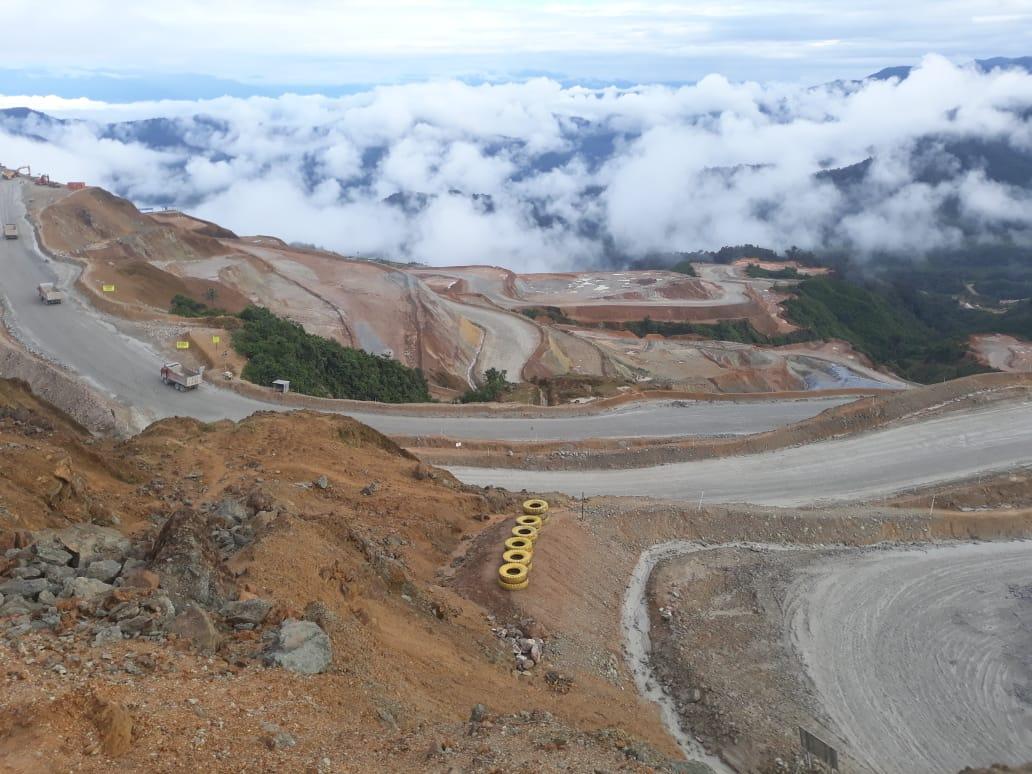 Mina a cielo abierto del Proyecto Mirador. Foto: Cortesía habitantes de Tundayme.