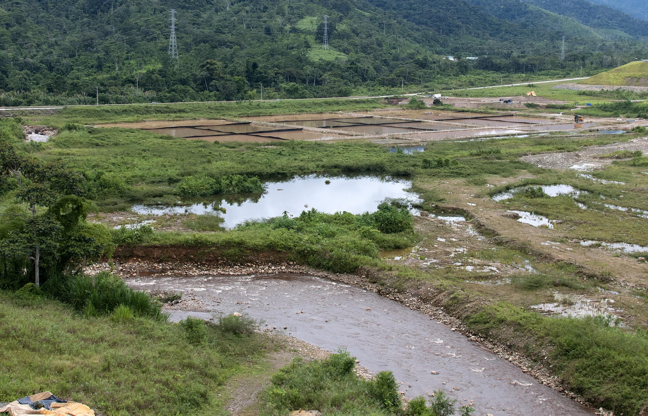 Piscinas de tratamiento de aguas del proyecto Mirador. Foto: Segundo Espín / Revista Vistazo.