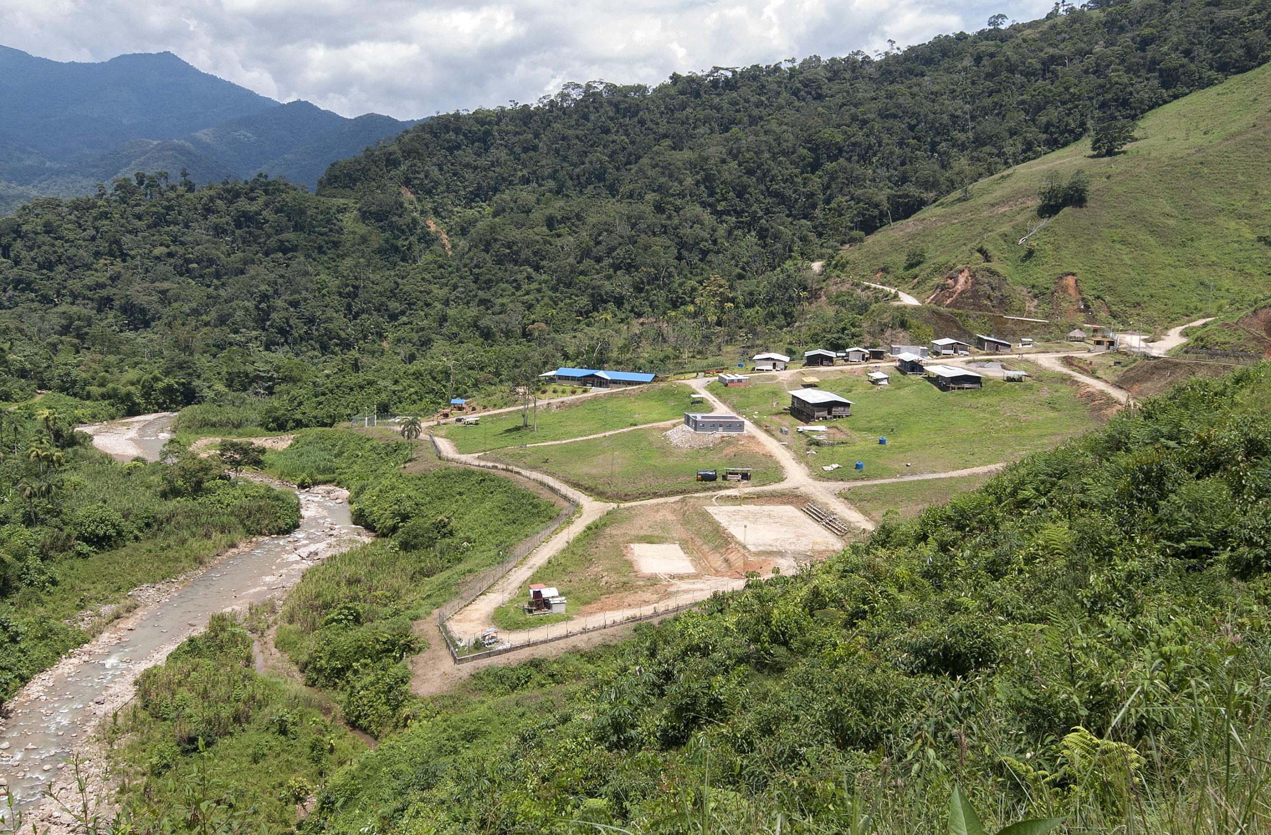 Campamento del proyecto San Carlos Panantza. Foto: Segundo Espín / Revista Vistazo.