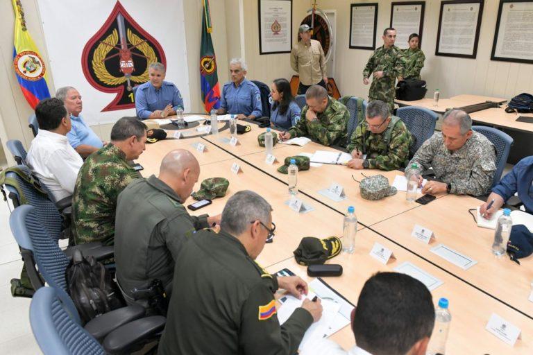 El presidente Iván Duque reunido con Fuerzas Militares, Ministerio de Defensa, Ministerio de Ambiente y Parques Nacionales. Foto: Efraín Herrera - Presidencia de Colombia.